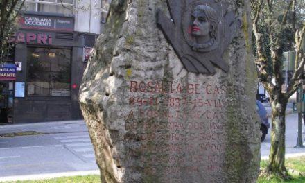 Ofrenda floral no aniversario de Rosalía no lugar no que naceu