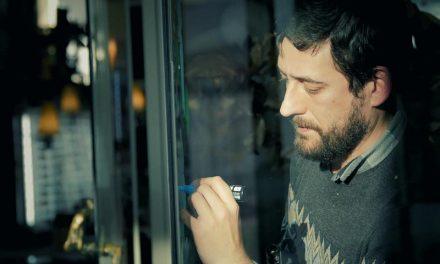 O artista Santi Jiménez abre o sábado os talleres de Santiago Centro