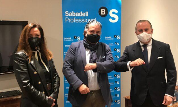 Santiago Centro e o Banco Sabadell asinan un acordo para apoiar ao comercio na captación de fondos de recuperación europeos